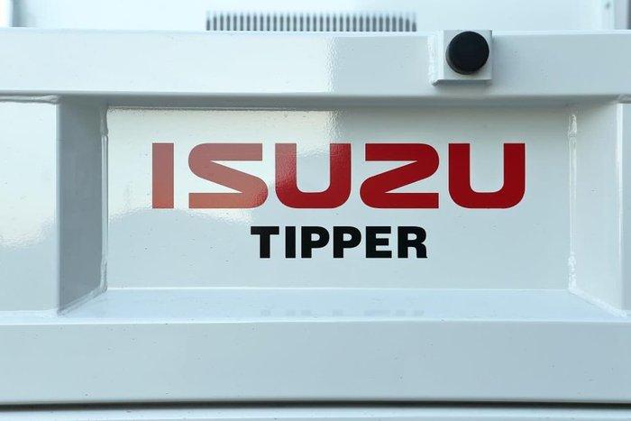 2021 ISUZU NMR 60-150 AMT TRI-TIPPER WHITE