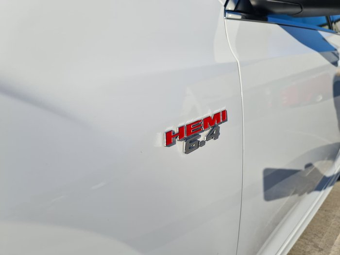2016 Chrysler 300 SRT Core LX MY16 White
