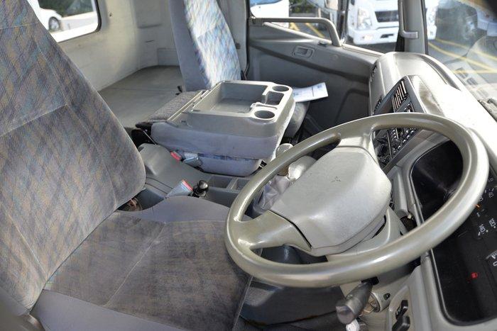 2007 MITSUBISHI FK 600 YELLOW