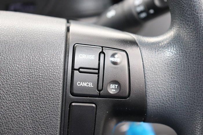 2017 Hyundai iLoad TQ3-V Series II MY18 White