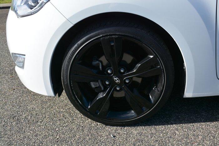 2013 Hyundai Veloster FS2 Crystal White