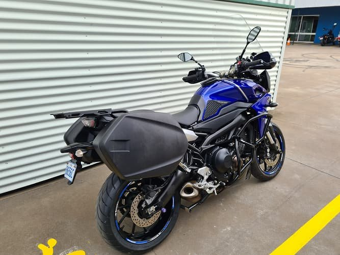 2017 Yamaha MT-09 Tracer (MT09TRA) MT Racing Blu or Mistral Grey