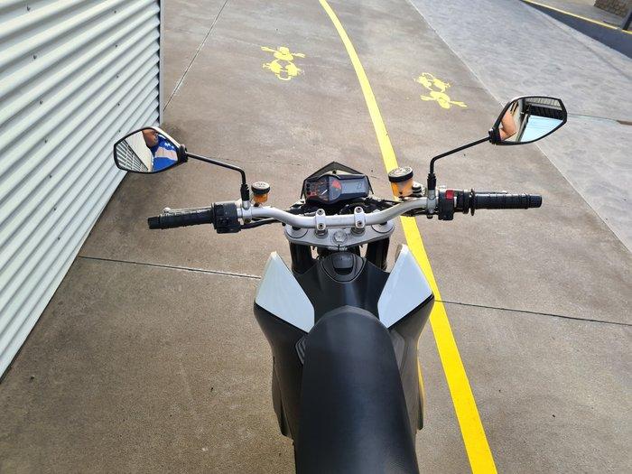 2009 KTM 690 Duke Duke White