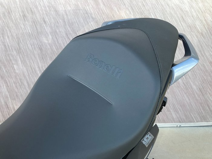 2021 Benelli 752S Red