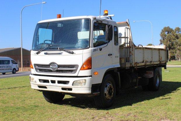2004 Hino GH Ranger 10 GH1J WHITE