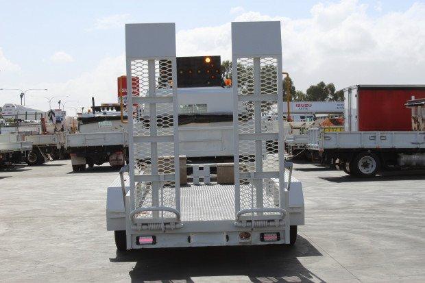 2004 Hino FD Ranger 6 TRUCK amp TRAILER COMBO WHITE