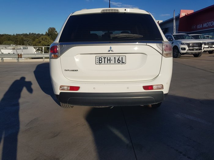 2013 Mitsubishi Outlander ES ZJ MY13 4X4 On Demand White