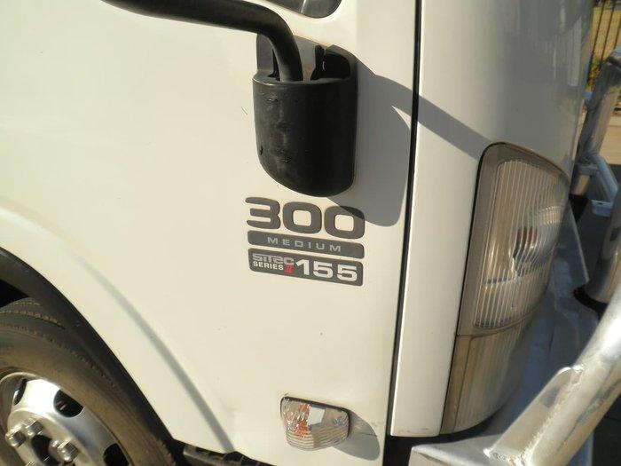 2008 ISUZU NPR 300 WHITE