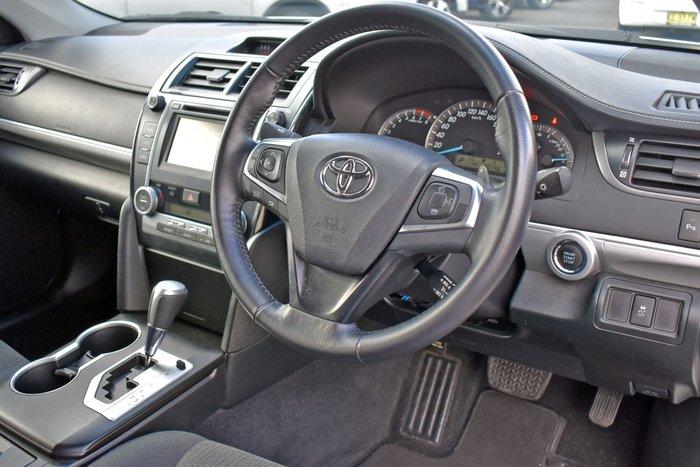 2016 Toyota Camry Atara S ASV50R Diamond White