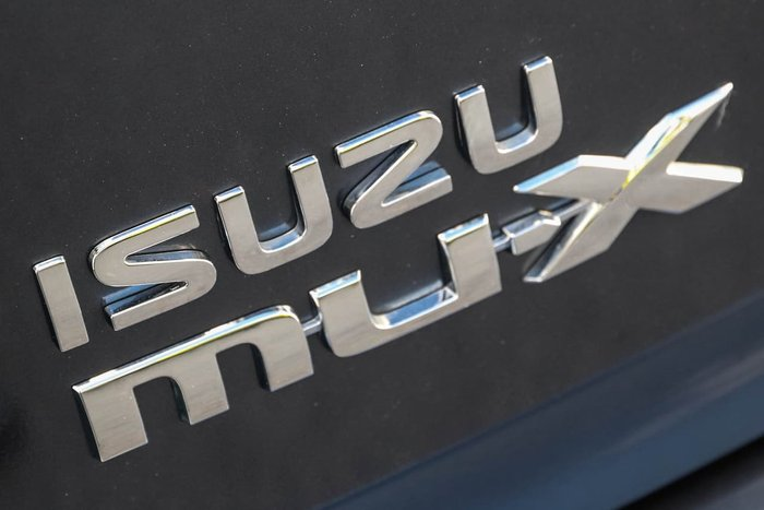 2020 ISUZU MU-X