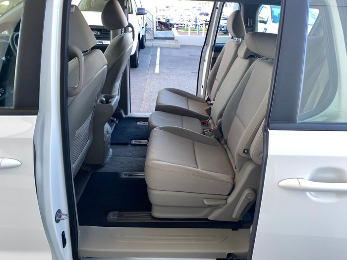 2020 Kia Carnival S YP MY20 Clear White