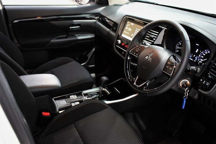 2020 Mitsubishi Outlander ES ZL MY21 AWD White