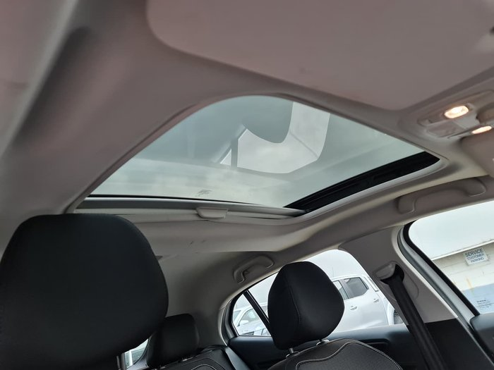 2017 Renault Megane Zen BFB White