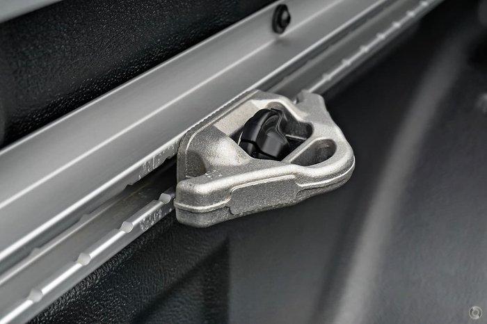 2021 Nissan Navara ST-X D23 4X4 Dual Range Brilliant Silver