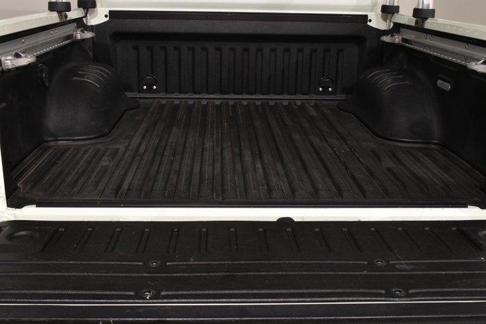 2017 Nissan Navara ST-X N-SPORT Black Edition D23 Series 2 4X4 Dual Range White Diamond
