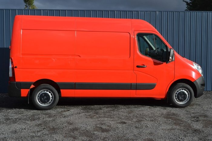 2017 Renault Master MID ROOF MEDIUM WHEE X62 RED