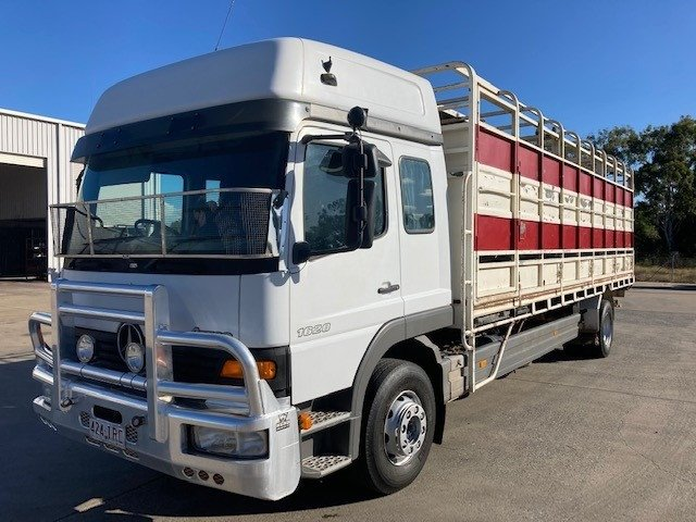 2005 Mercedes-Benz Atego Cattle Crate White