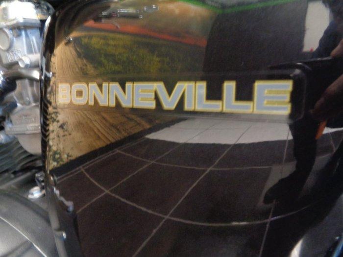 2012 Triumph BONNEVILLE SE BLACK