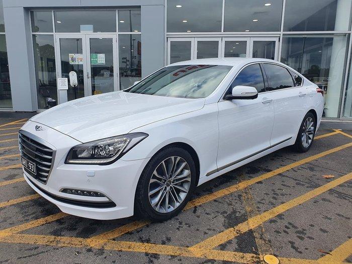 2015 Hyundai Genesis Sensory Pack DH White