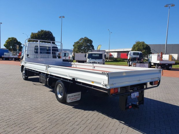 2013 Fuso Fighter 1024 6 Ton Tray