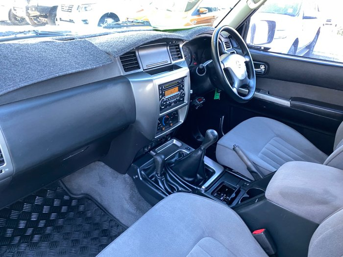2011 Nissan Patrol ST GU 7 MY10 4X4 Dual Range Polar White