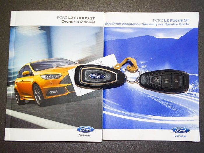 2016 Ford Focus ST LZ Red