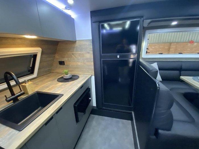 2021 Lotus Caravans Hollywood 24