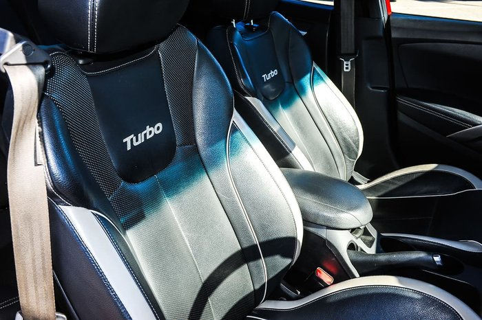 2015 Hyundai Veloster SR Turbo FS4 Series II Red