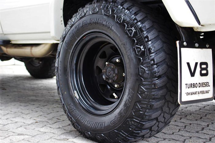 2011 Toyota Landcruiser Workmate Troopcarrier VDJ78R MY10 4X4 Dual Range French Vanilla