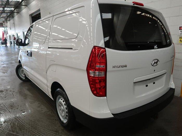 2017 Hyundai iLoad TQ3-V Series II MY17 Creamy White