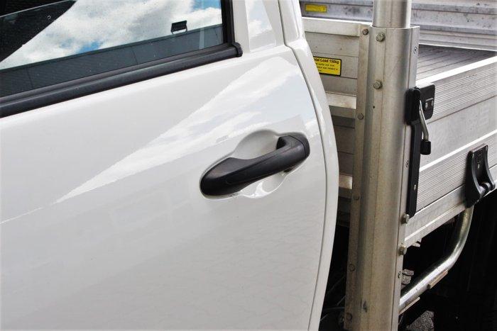 2017 Toyota Hilux Workmate GUN122R Glacier White