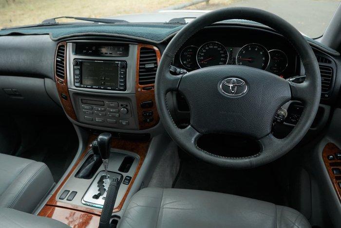 2003 Toyota Landcruiser Sahara UZJ100R 4X4 Constant Gold