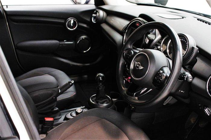 2015 MINI Hatch Cooper F55 Pepper White
