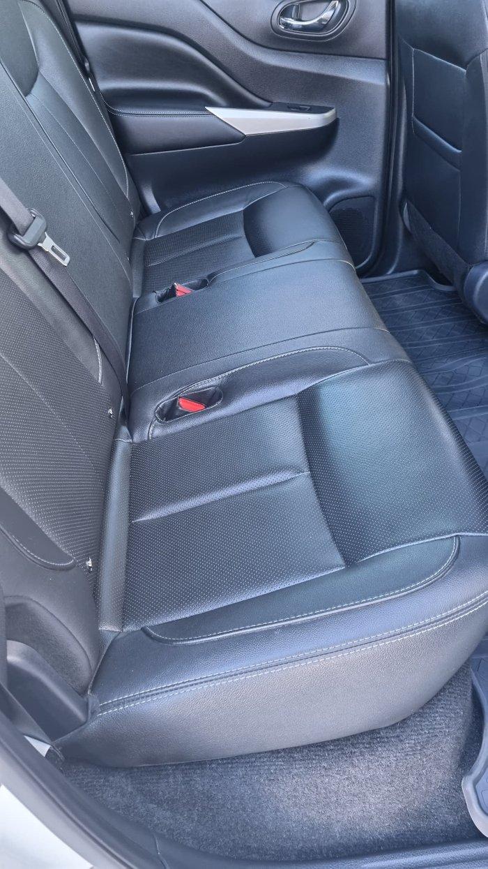 2017 Nissan Navara ST-X D23 Series 3 4X4 Dual Range White Diamond