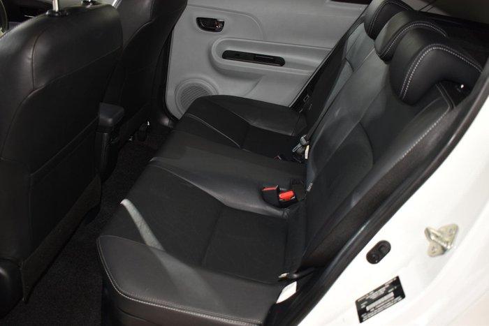 2013 Toyota Prius C i-Tech NHP10R White