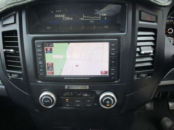 2011 Mitsubishi Pajero Platinum NT MY11 4X4 White