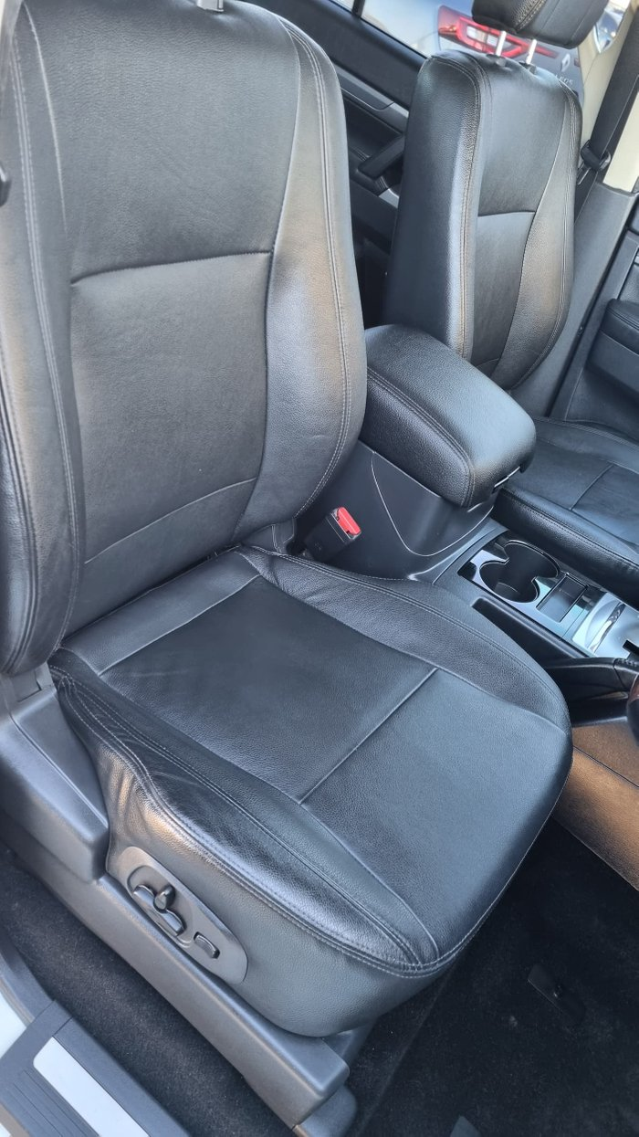 2015 Mitsubishi Pajero Exceed NX MY16 4X4 Dual Range Warm White