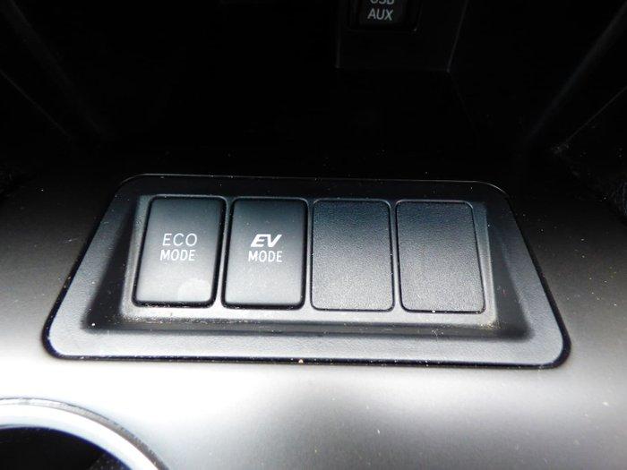 2016 Toyota Camry Altise AVV50R Diamond White