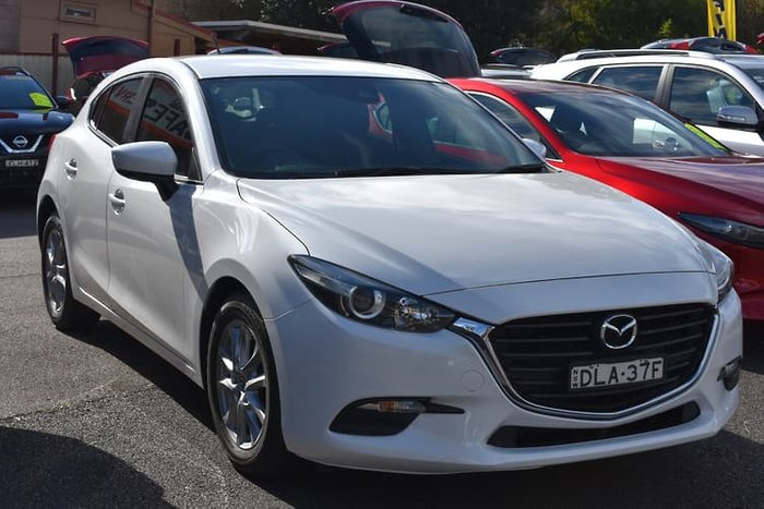 2016 Mazda 3 Neo