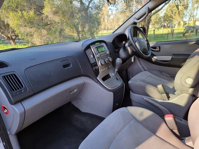 2012 Hyundai iMax TQ-W MY12 Creamy White