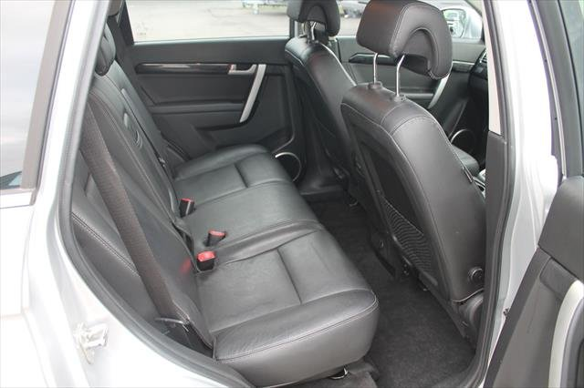 2012 Holden Captiva 7 LX CG Series II MY12 AWD silver