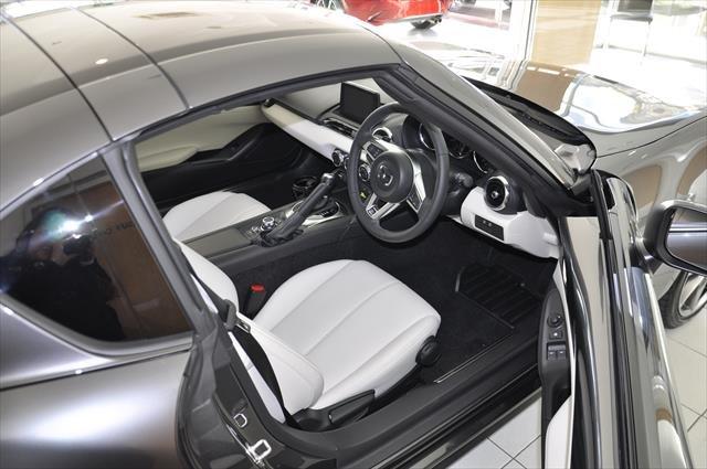 2021 MAZDA MX-5 RF GT MX-5 V 6AUTO 2.0L RF GT BLACK ROOF WHITE LEATHER Machine Grey