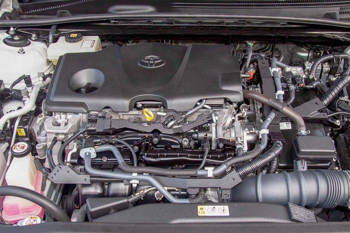 2018 Toyota Camry SL AXVH71R White