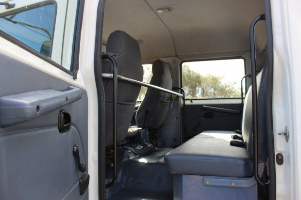 2004 Hino FD1J EX-GOVERNMENT, LOW KMS WHITE