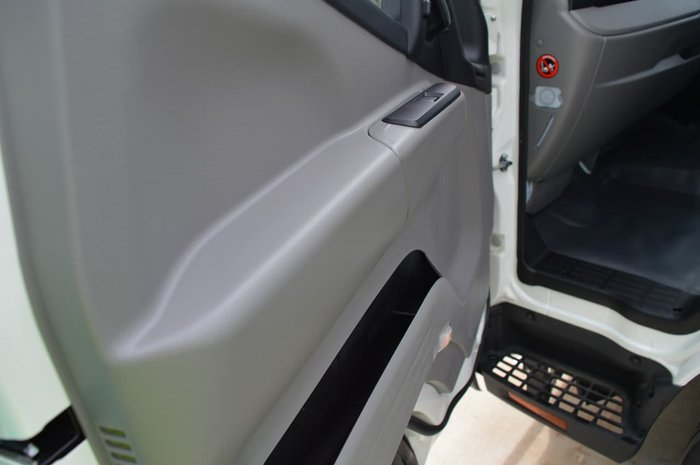 2021 FUSO CANTER 615 CITY CAB FACTORY TIPPER WHITE