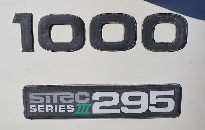 2012 ISUZU F SERIES WHITE