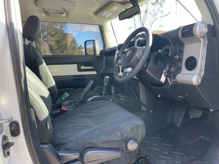 2015 Toyota FJ Cruiser GSJ15R MY14 4X4 Dual Range French Vanilla