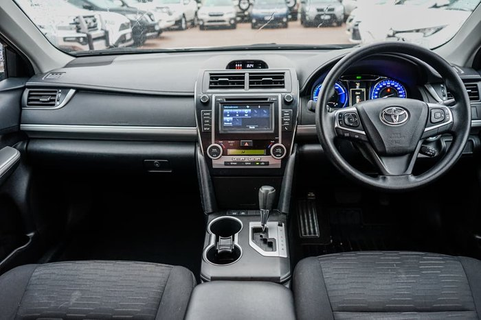 2017 Toyota Camry Altise AVV50R Silver Pearl