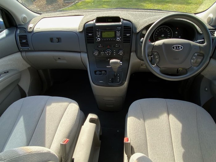 2009 Kia Carnival EXE VQ MY09 Clear Silver