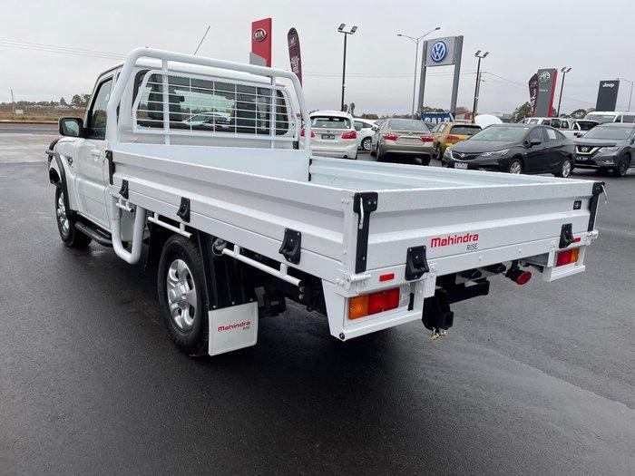 2021 Mahindra PIK-UP S6+ 4X4 Arctic White